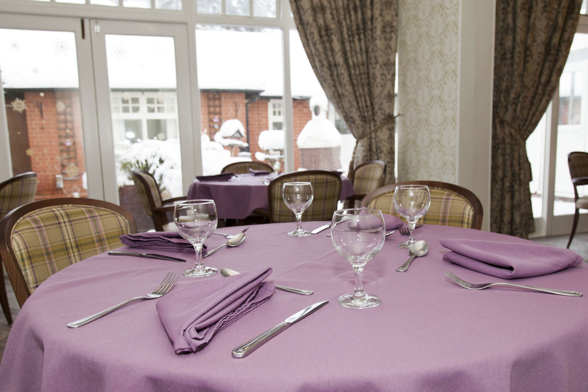 dining room at Willow Grange